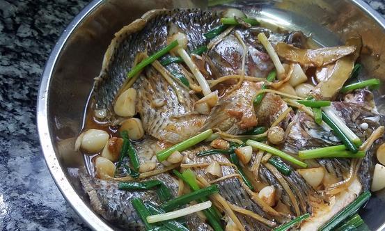 罗非鱼又香又下饭的做法,香味浓郁又好吃,我家经常做