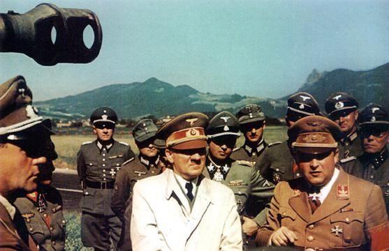 """""""纳粹魔头""""希特勒,从巅峰跌落至""""地狱""""的欧洲王者!"""