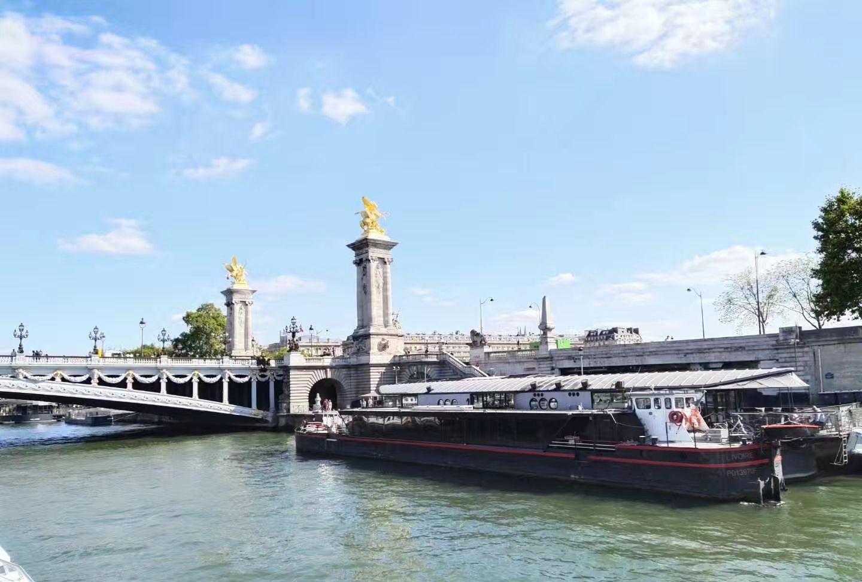 法国塞纳河,艾菲尔铁塔、巴黎圣母院、香榭丽舍大街