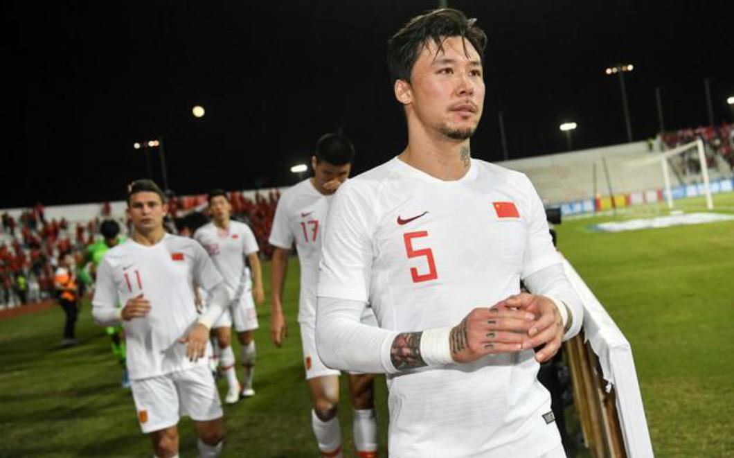40强赛国足客场输给叙利亚队,赛后国足全体球员情绪比较失落