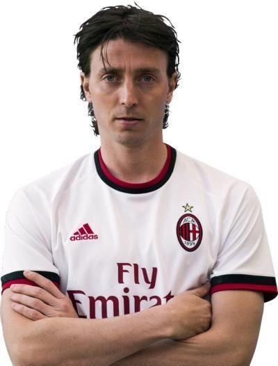 名人诞辰:意大利足球运动员一一里卡多·蒙托里沃