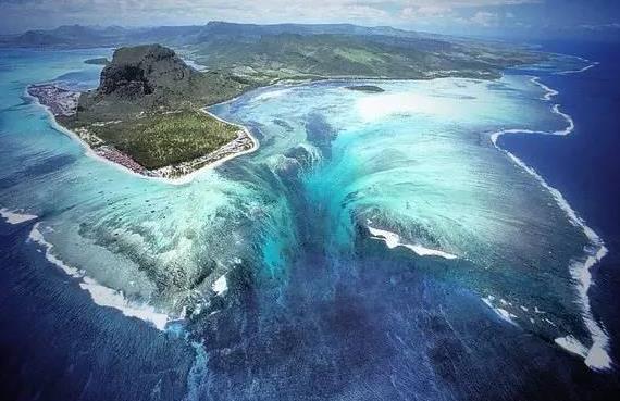 """世界上最大的""""瀑布"""",高度落差达3500米,藏于海底成地球奇观!"""