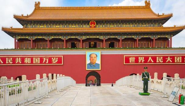 北京天安门广场旅游攻略-人民大会堂-国家博物馆-毛主席纪念堂