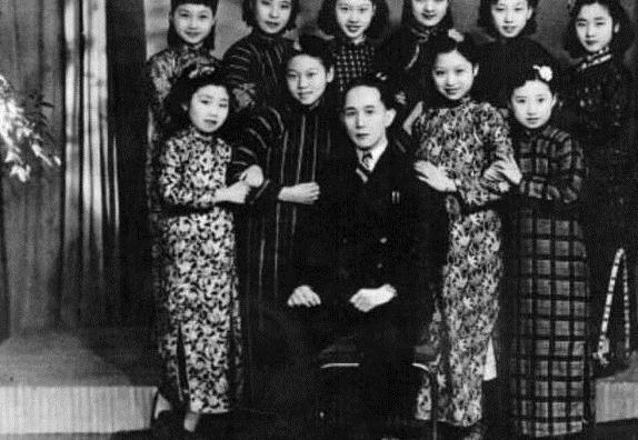 京剧大师为爱成农妇,丈夫去世她被拒绝入族谱,吃斋念佛聊寄此生