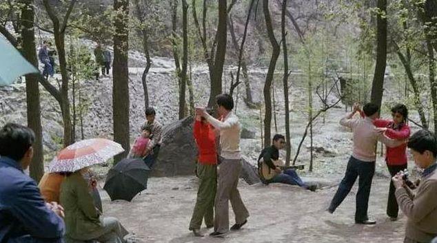 30年前的北京珍贵彩色照,有多少场景还在记忆之中