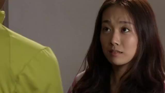 小城晚上前来寻找瑶瑶,特意给她道别,谁知被她看出是骗她的