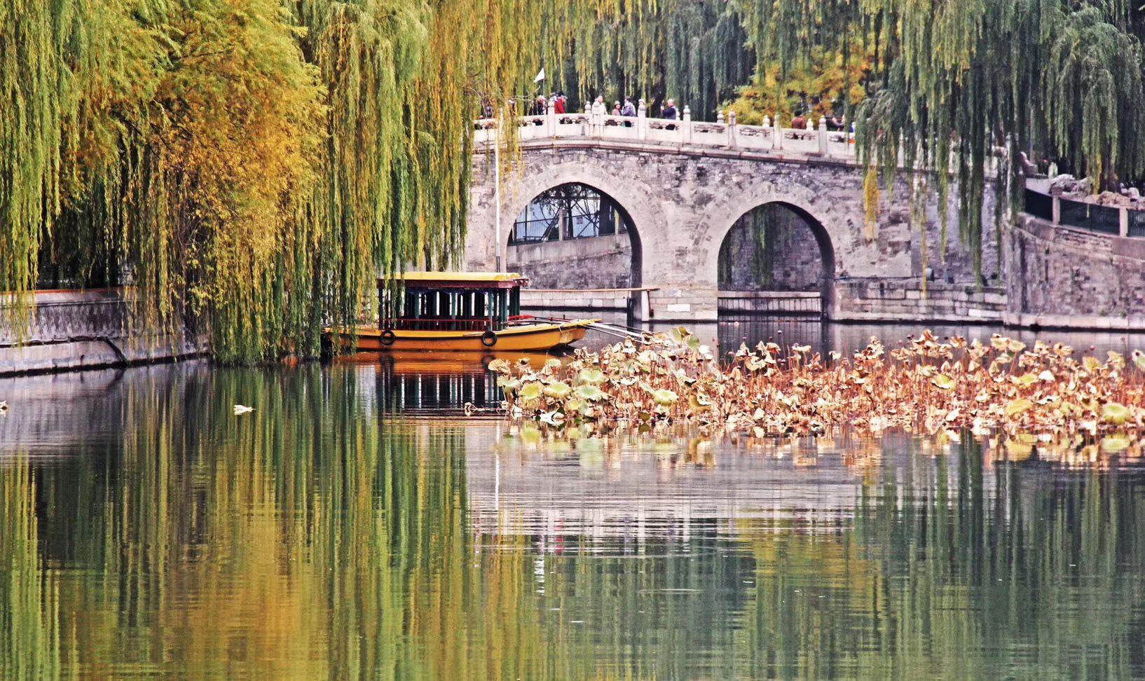 太液湖秋色,燕京八景之一,美成了油画