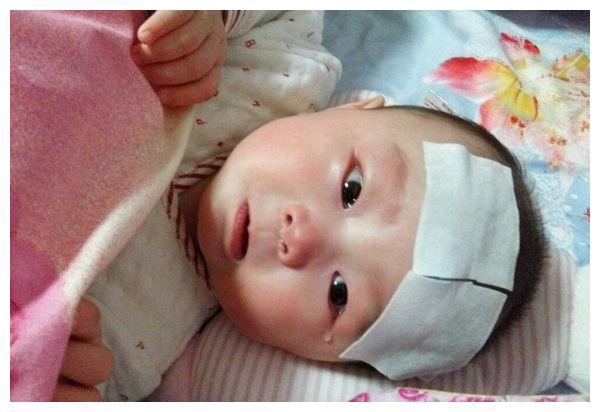 2岁小男孩,食管漏了,两次大手术保命,奶奶无知