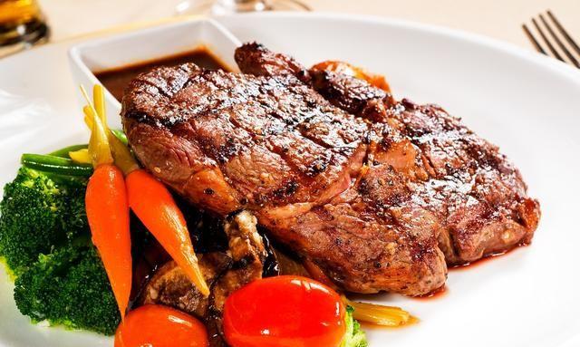 牛排美味不可挡,教你几招,在家煎出西餐厅标准的七分熟