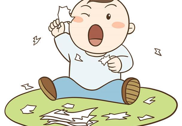 婴儿喜欢撕纸,真的是聪明的表现吗?育儿专家是这样理解的
