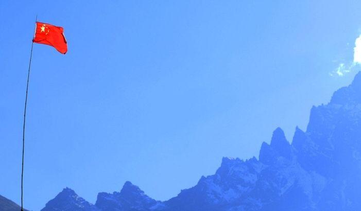 吉隆:在巍峨雄伟的喜马拉雅山脉,高山上四季是皑皑白雪冷若冰霜