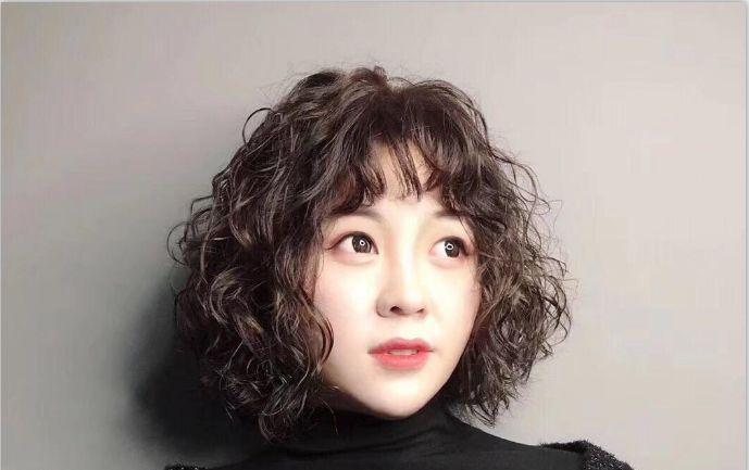 """2019""""小炸卷""""烫发,火爆了,时尚圈都在追捧的发型!图片"""