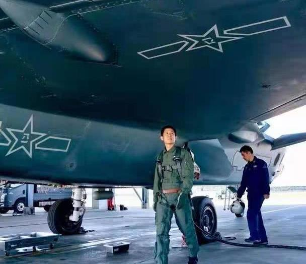 审视歼20漏油问题,中国军工任重道远,结构材料工艺仍有差距!