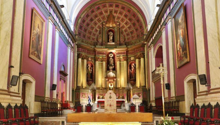 马蒂斯大教堂,黑色素描营造的野兽派艺术圣殿