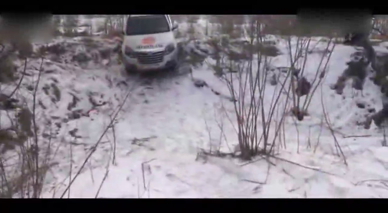 视频:新款长城H3雪地越野撒欢,四驱看起来不错哦