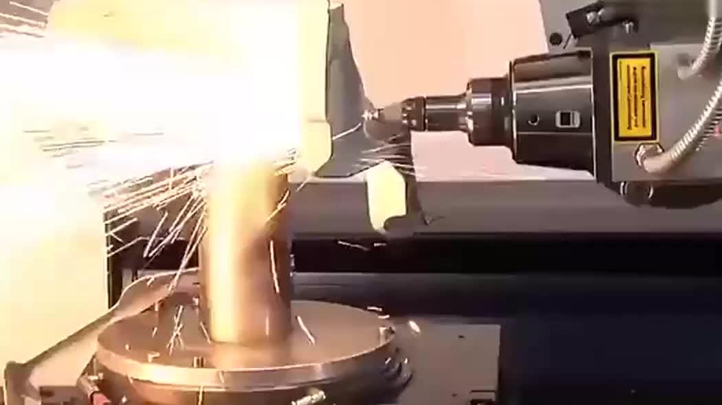 火花四溅,超牛的激光切割技术