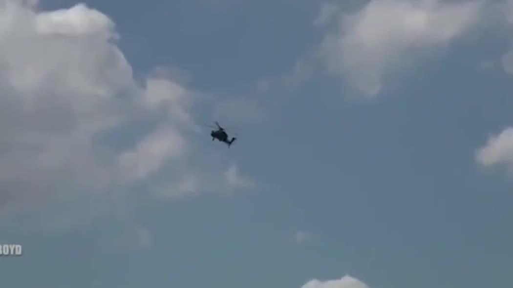 2019法国巴黎航展上,一架虎式武装直升机的飞行表演!