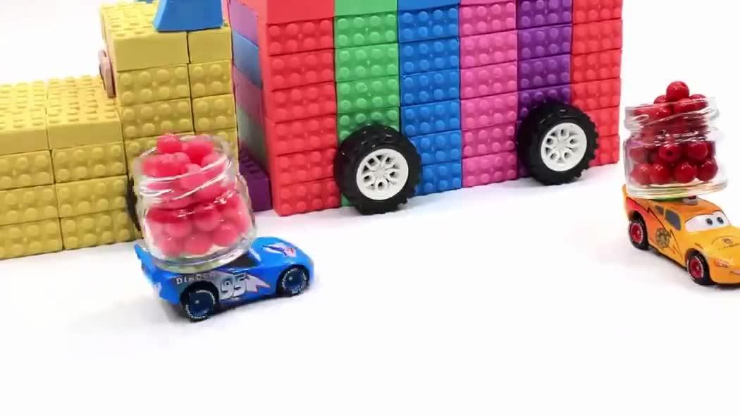 刚买回的太空沙,居然做出一个彩虹小卡车,赶紧和萌宝们一起学吧