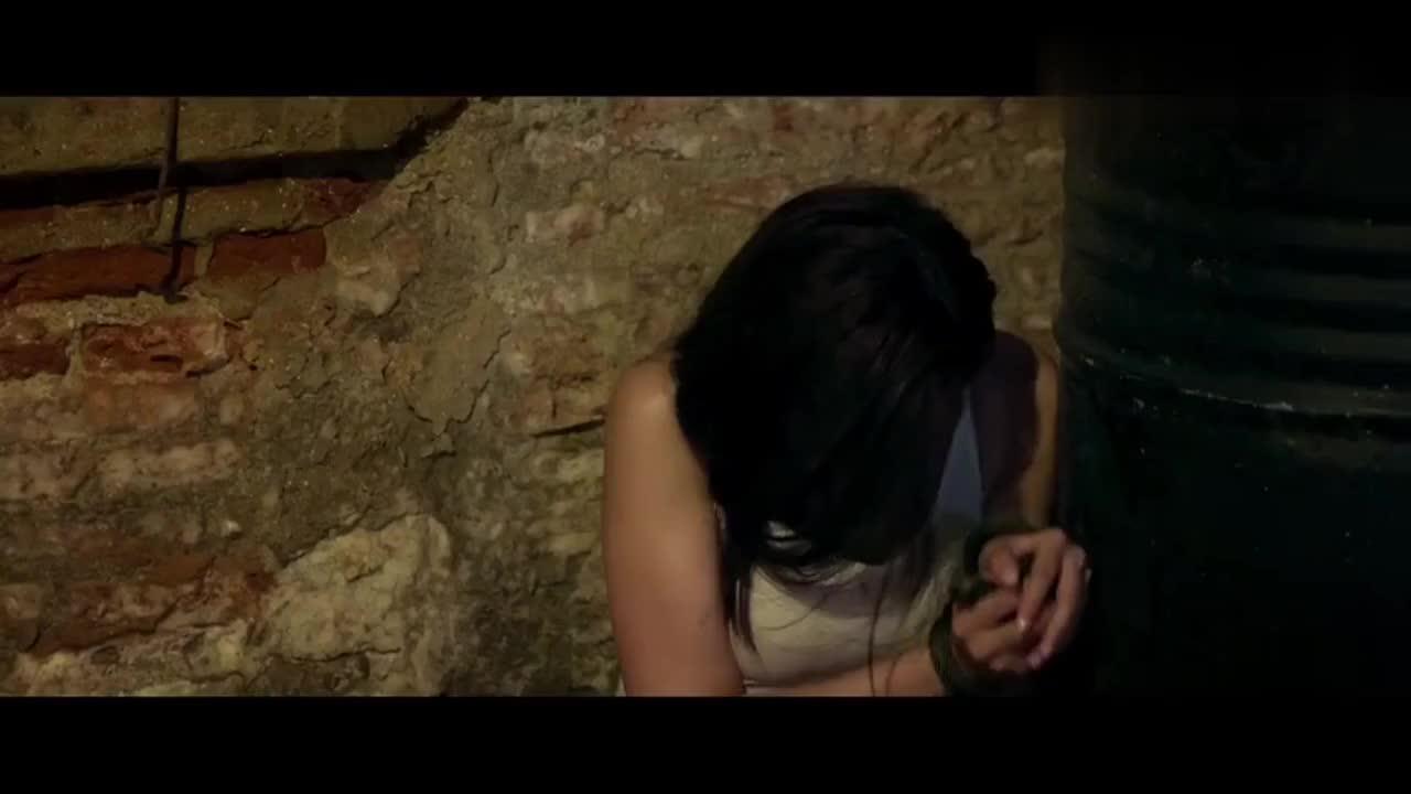 女老师遭人贩子囚禁跟多名女子同时关在一起