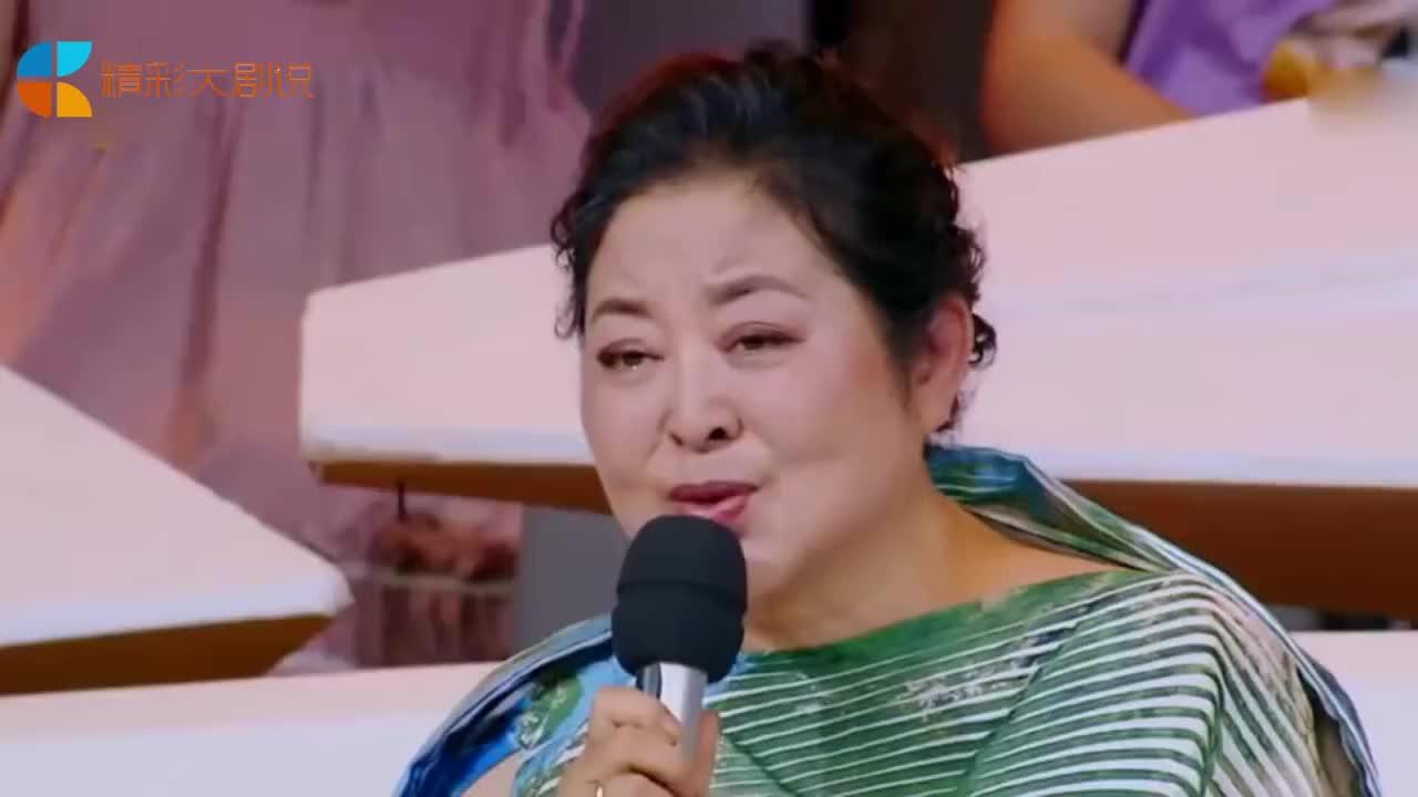59岁倪萍再登荧屏身材臃肿年轻时的她美过范冰冰
