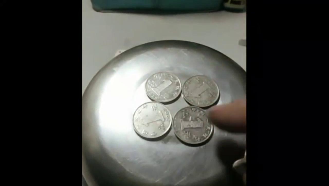 五枚硬币放在一起,奇迹竟然出现了,无法解释!