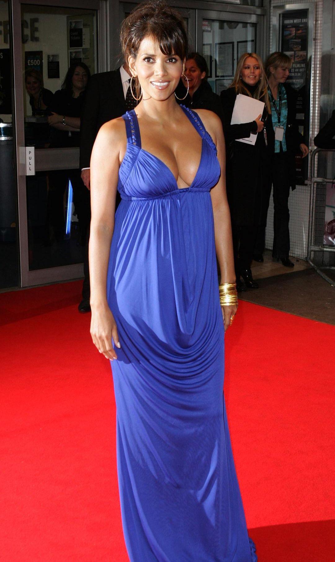 好莱坞女神 奥斯卡第一位黑人影后 007首位黑人邦女郎哈莉·贝瑞