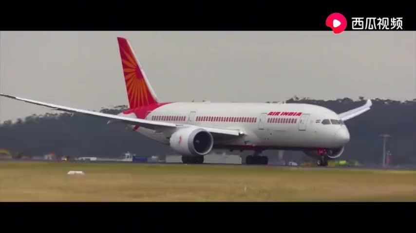 两架波音787的厦航和上海航空起飞也见到了南航的a330