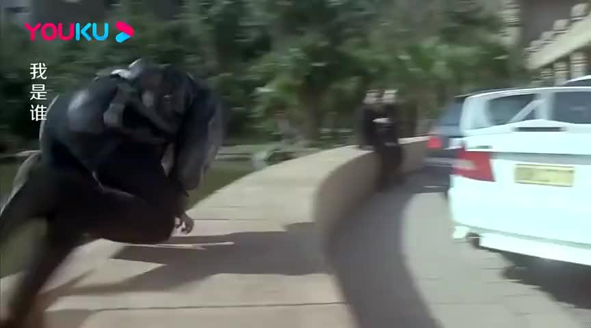 喜剧成龙大哥开车换挡这段视频看的笑死人啊大哥你的裆可好