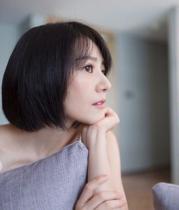 高圆圆剪了短发与20年前出道一样,网友大呼:她是吃了仙丹吗?
