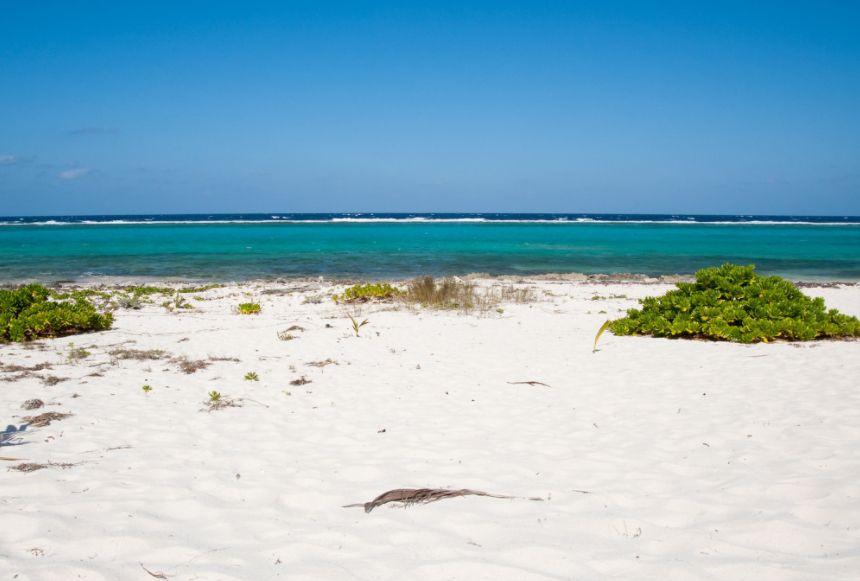 开曼群岛——是英国在美洲西加勒比群岛的一块海外属地