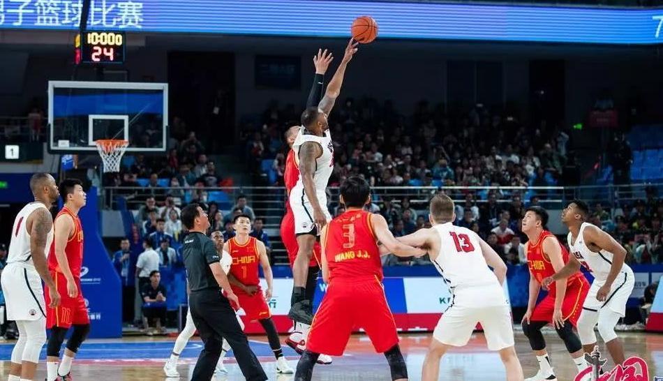 王哲林军运会首秀砍27分 中国胜美国取两连胜