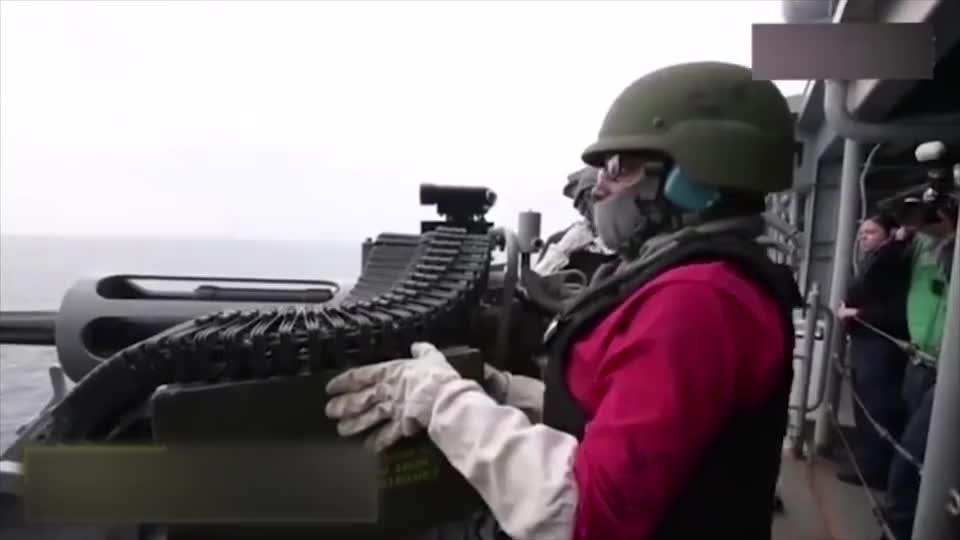 军械百科美国海军的M242巨蝮式链炮25毫米口径炮弹小船一炮碎