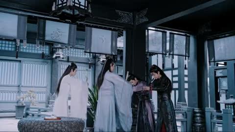 陈赫做客蘑菇屋变失忆,黄磊再现其吃虾场面,陈赫很尴尬