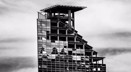 世界上最高最奢侈的贫民窟,一共45层却没有电梯,是穷人的天堂