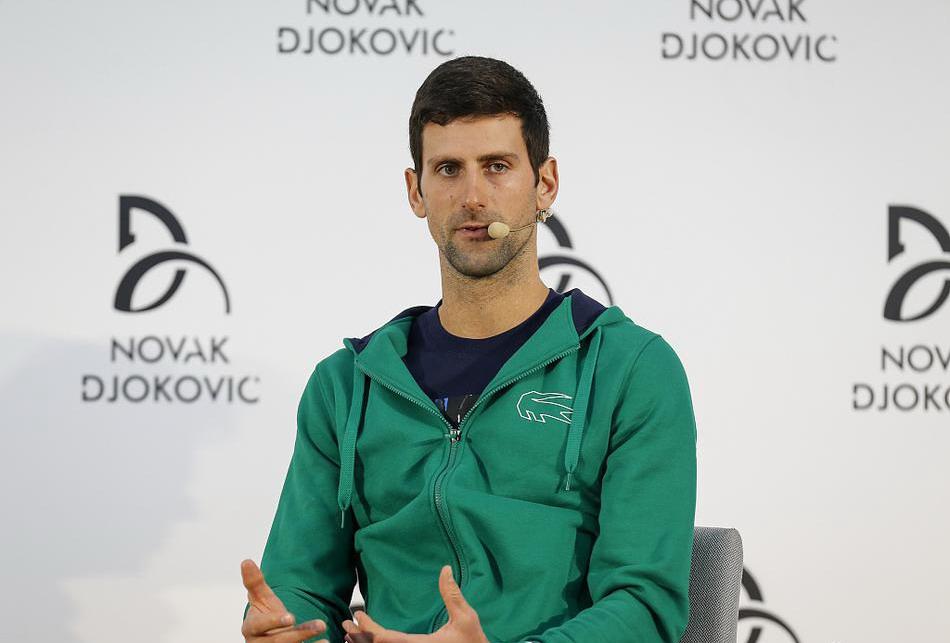 澳网男单冠军德约科维奇现身贝尔格莱德,小德面对采访侃侃而谈