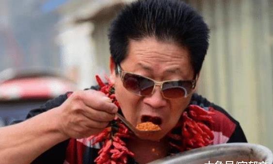 """嗜辣椒如命的""""中国辣王"""",喝白酒配辣椒,如今过成这样"""