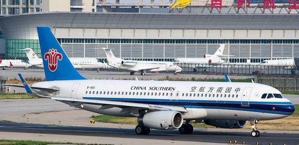 我国最繁忙的机场,占地面积达141万平方米,旅客年吞吐量达1亿!