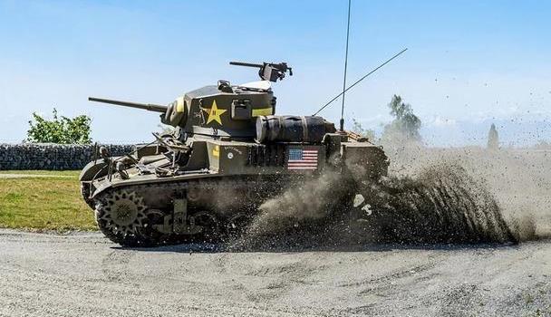 造型紧凑速度快,轻巧灵活机动好,在苏联颇受好评的M3轻型坦克