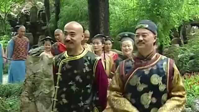 还珠格格3:知画陪着老佛爷逛花园,老佛爷是越看越喜欢阿