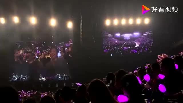 陶喆现身周杰伦演唱会现场周杰伦献唱《说好不哭》致敬陶天王
