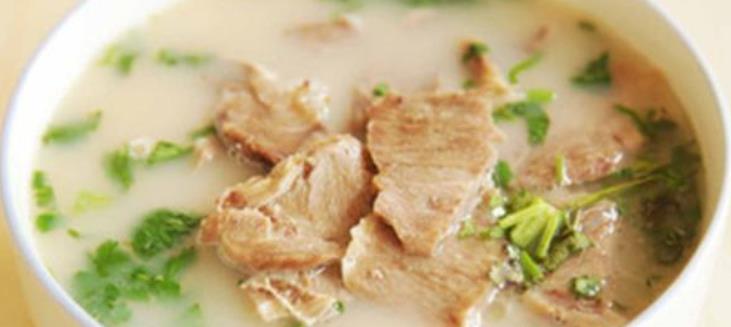 我怎么做羊肉汤?试试这个方法。肉更鲜嫩。