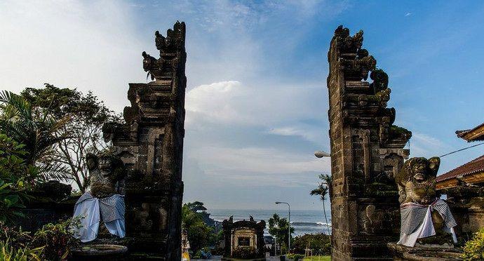 海神庙始建于16世纪,是巴厘岛最重要的海边庙宇之一