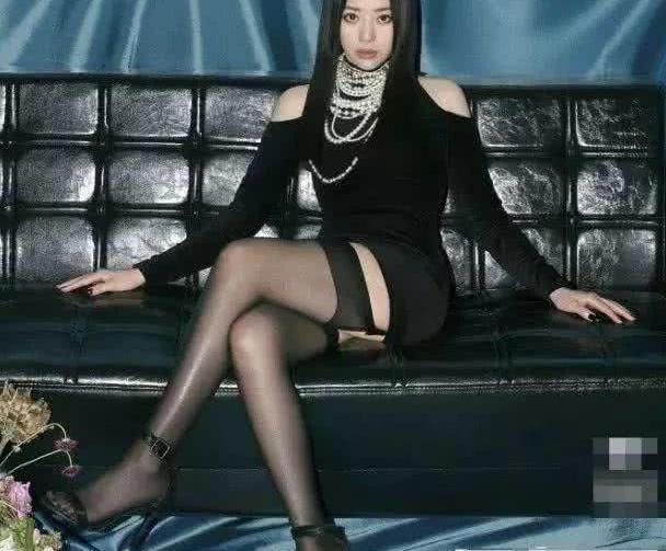 张靓颖登上《男人装》,明明气场全开,为何被网友吐槽太假?