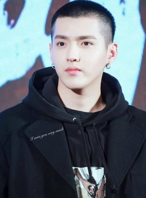 看了吴亦凡、杨洋、黄景瑜的平头发型,你还觉得发型影响颜值?