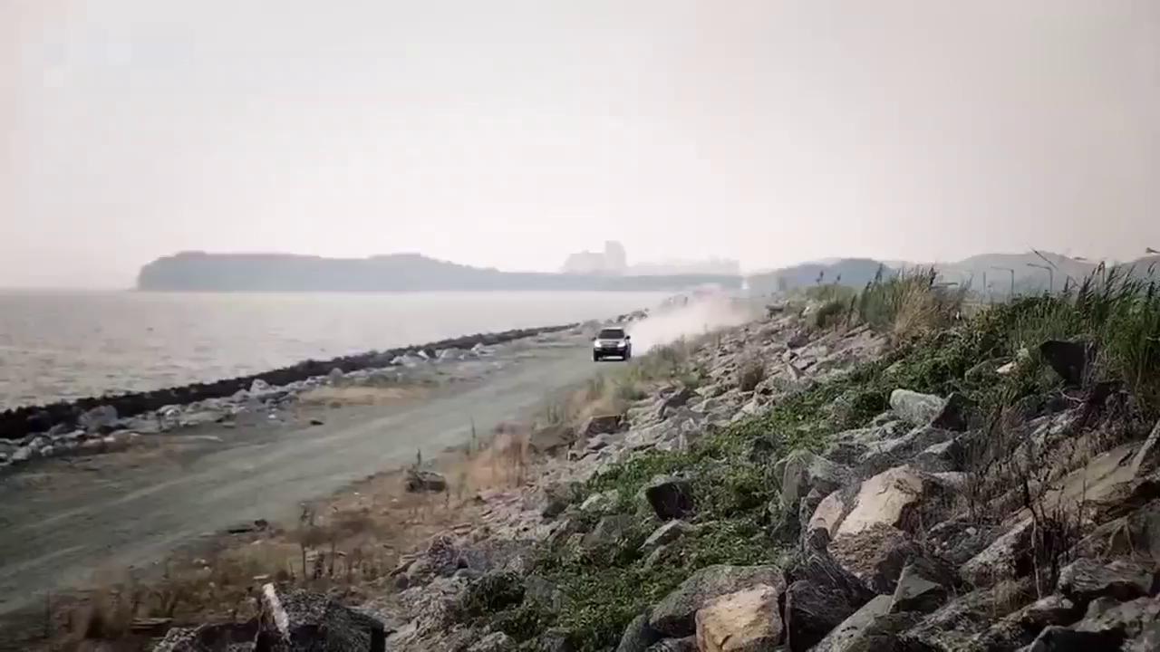 视频:新增7座版车型 双龙雷斯特W