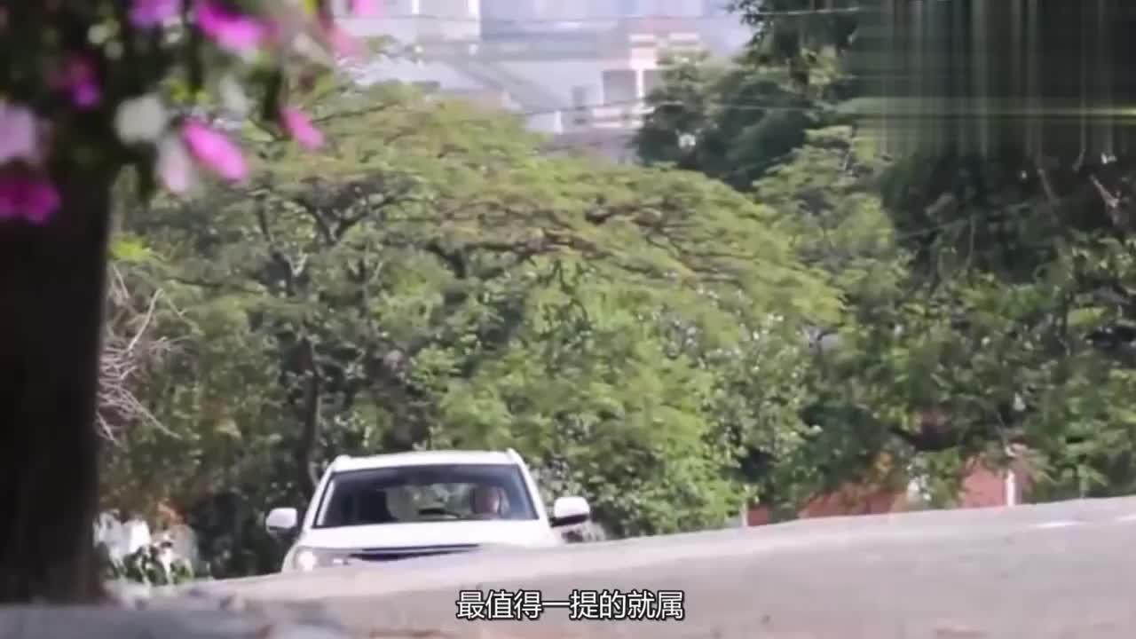 五菱神车又发力了车长超4米2内饰比宝骏730漂亮多了
