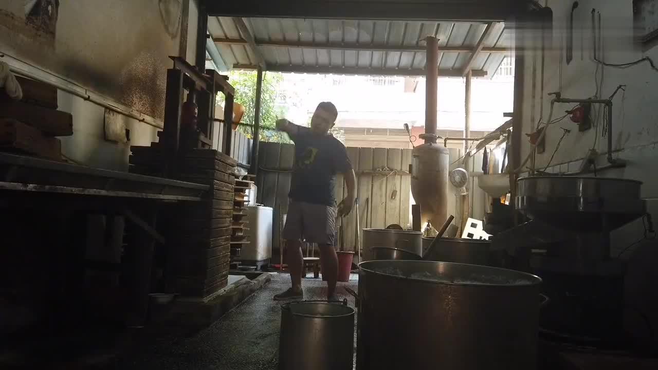 豆腐侠做一天豆腐能挣多少钱够养活李老师吗他的目标是长沙