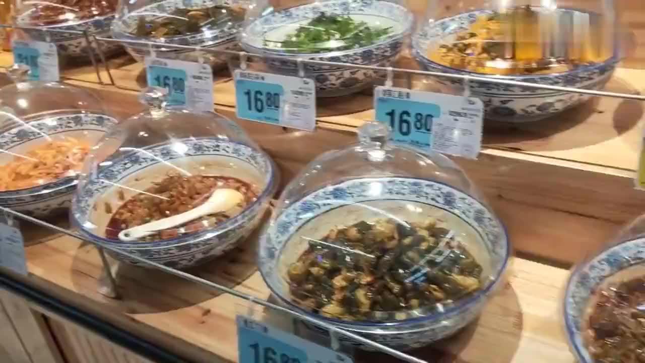 广西北海超市的咸菜快赶上猪肉的价格了