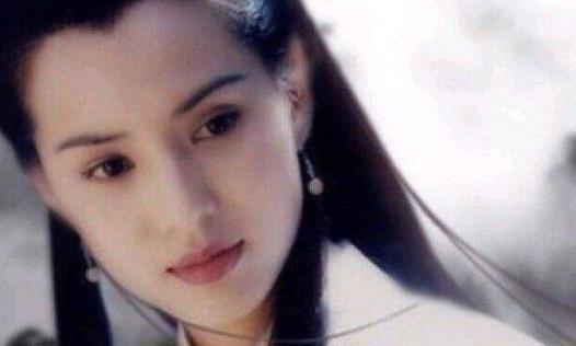 又一女星演小龙女,扮相一出,陈妍希版本胜了