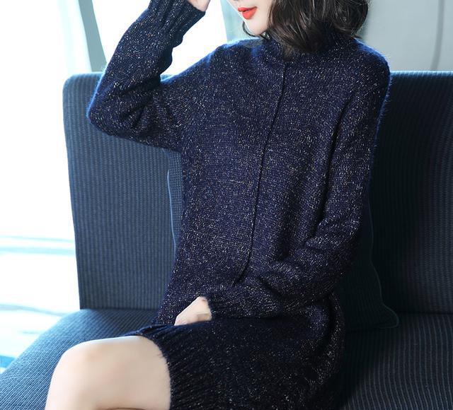 再强调一次:大衣不要配打底裤,土!力荐穿这毛衣裙,减龄忒显美